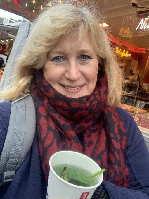 1 pic. It's cold outside. But I thought a cup of fresh mint tea would be nice. There's fresh and there