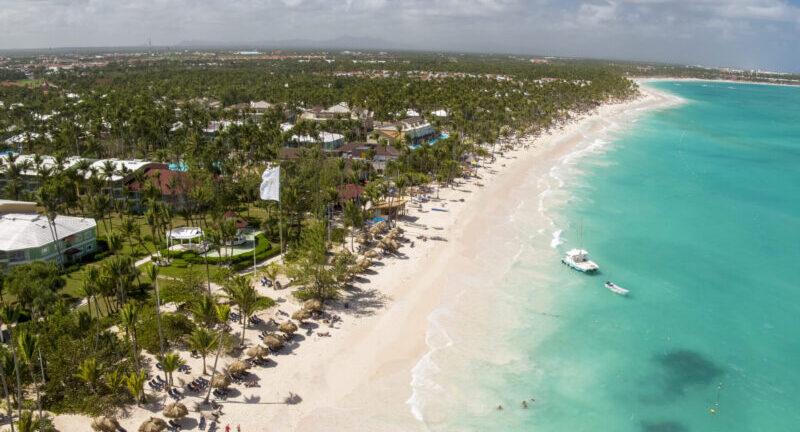 La revista @ClubInfluencers te invita a descubrir las aguas turquesa del Caribe de la mano de @PalladiumHG.   Tú, ¿qué destino prefieres?  Descúbrelos aquí: