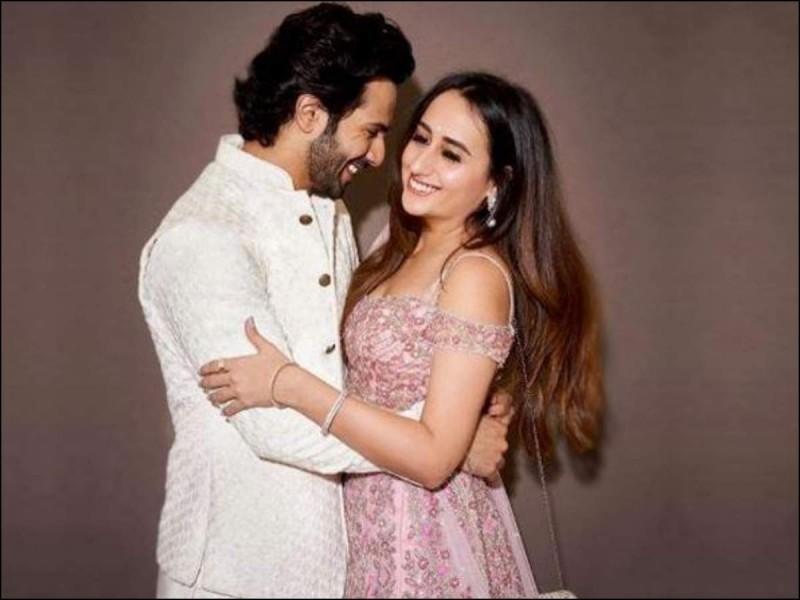 वरुण धवन जनवरी 2021 में ही करेंगे शादी, यहाँ होगी शानदार पार्टी  #bollywoodgossip #bollywoodnews #daviddhawan @newstracklive