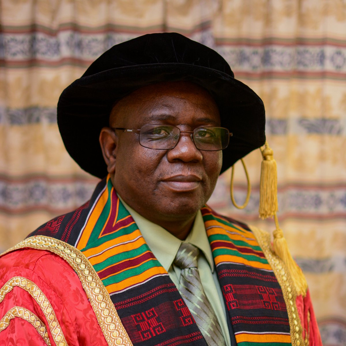 In the early hours of this morning, the 13th of January 2021, our beloved Vice Chancellor Prof. Munashe Furusa passed away. Let us mourn, grieve and remember our Vice Chancellor drawing strength from the greatness he inspired and the legacy he leaves behind. Rest in peace our VC.