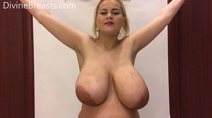 Erin Star #busty Tits in Tops see more at https://t.co/KDzb4sY6LO https://t.co/tlMgLX9zfs