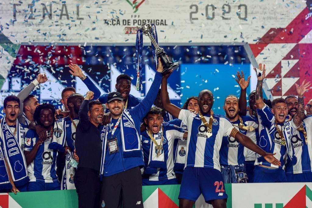 Finalistas da última edição da #TaçadePortugal não falham!  FC Porto e Benfica estão nos quartos da taça 🏆  Marítimo✅ Estoril✅ Santa Clara✅ FC Porto✅ Benfica✅ Braga x Torreense❓ Fafe x Belenenses❓ Gil Vicente x Académico de Viseu❓  Quem chega à final?   📸 Getty Images https://t.co/TqDx3ypfPP