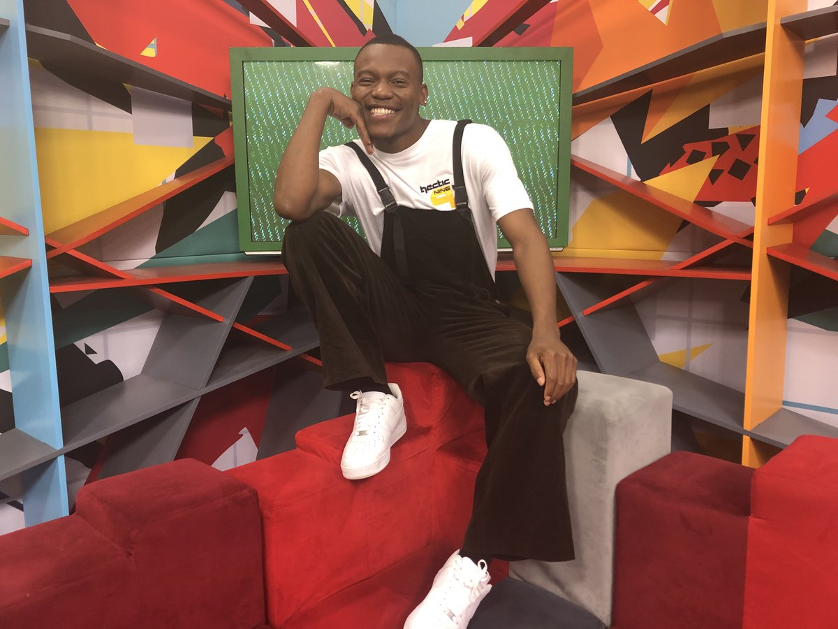 Its your midweek Friday of fun with the game master @GeorgetheGroove and our 2 teams for the moola on @SABC_2 https://t.co/0ayWwJvKxP