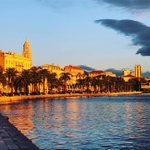 Image for the Tweet beginning: Strolling around #Split #Croatia tonight