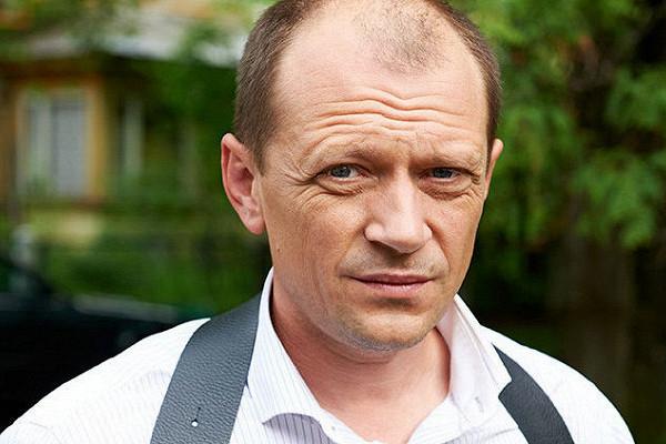 Актер Дмитрий Гусев найден мертвым вМоскве https://t.co/upbCeRjAL6