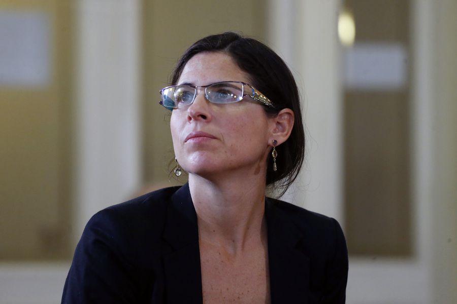 Tensión en Chile Vamos: Sylvia Eyzaguirre renuncia a candidatura a constituyente por el distrito 10 tras polémica por inscripción de Teresa Marinovic https://t.co/nu56OIJUQu https://t.co/a1VM1IxnqJ