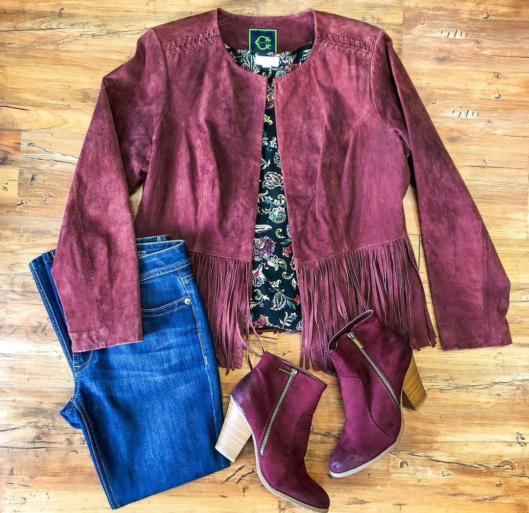 Outfit of the Day 🥰❤️✨  Outfit Details:  🥀Jacket: C Wonder, sz 10 $22.99 🥀Top: J.Jill, sz M $19.99 🥀Jeans: DL1961, sz 8 $29.99 🥀Booties: JustFab, sz 8.5 $15.99  Open Tues-Sat 10AM to 5 PM  Visit and shop online at    #consignment #shopsmall #shoplocal