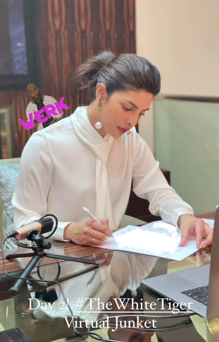 I have the same pen, I feel so powerful LMAOOO, imma write my book too @priyankachopra