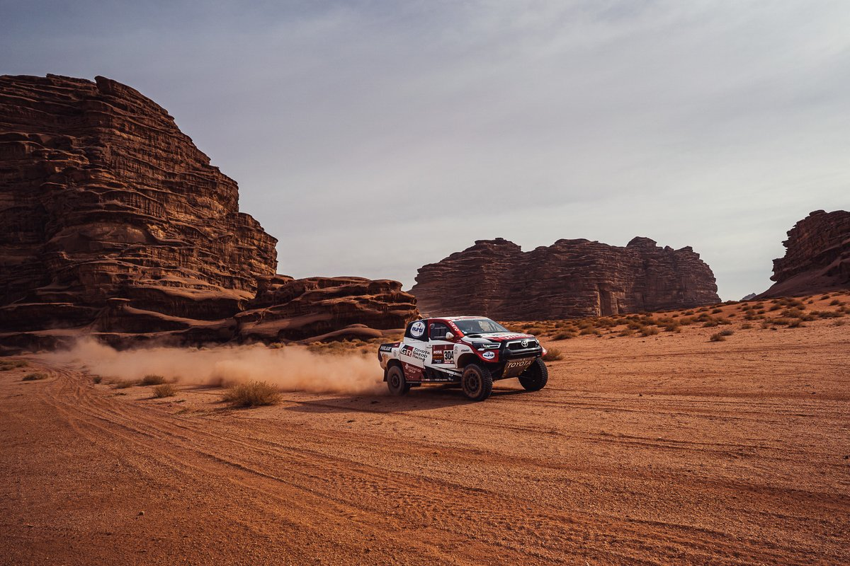 Good stage results again for #TeamHilux, as Nasser takes 2nd; Giniel 6th and Shameer 14th. #TGR remains positive, with two stages to go. This #Dakar is tough! #TGRSA