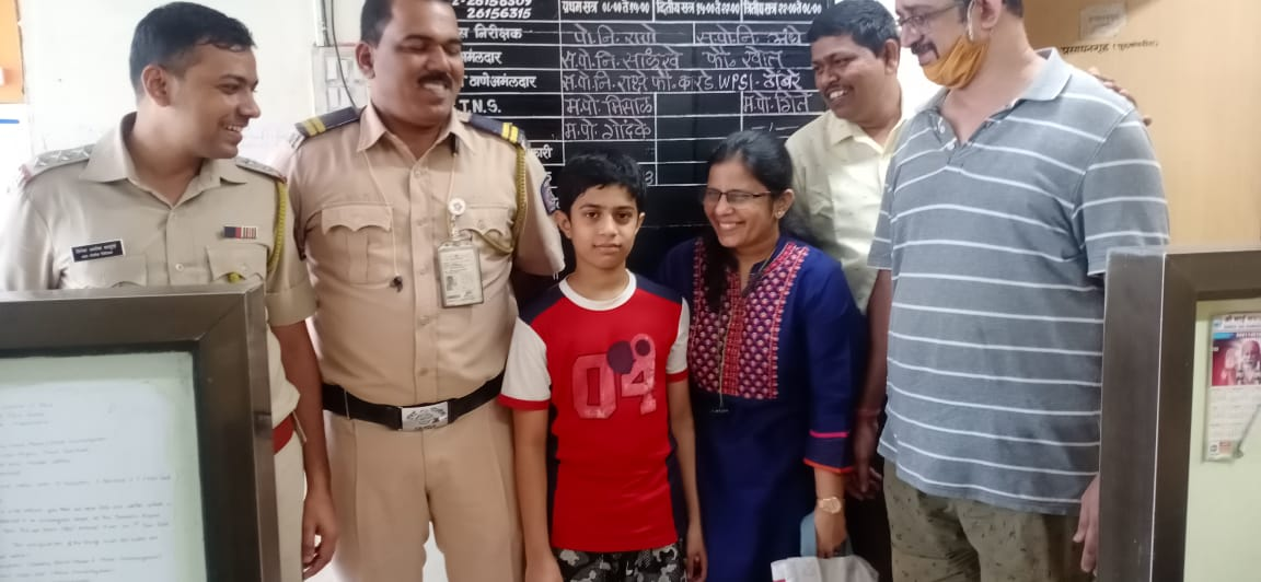 @BhoyePavankumar @CPMumbaiPolice @MumbaiPolice @DGPMaharashtra  @CMOMaharashtra Thanks a million to API Pavankumar Bhoye , Mr Umesh Shelar and entire team of Airport police station who found my missing son. Knowing that he has lost his way, they took care of him and informed us.