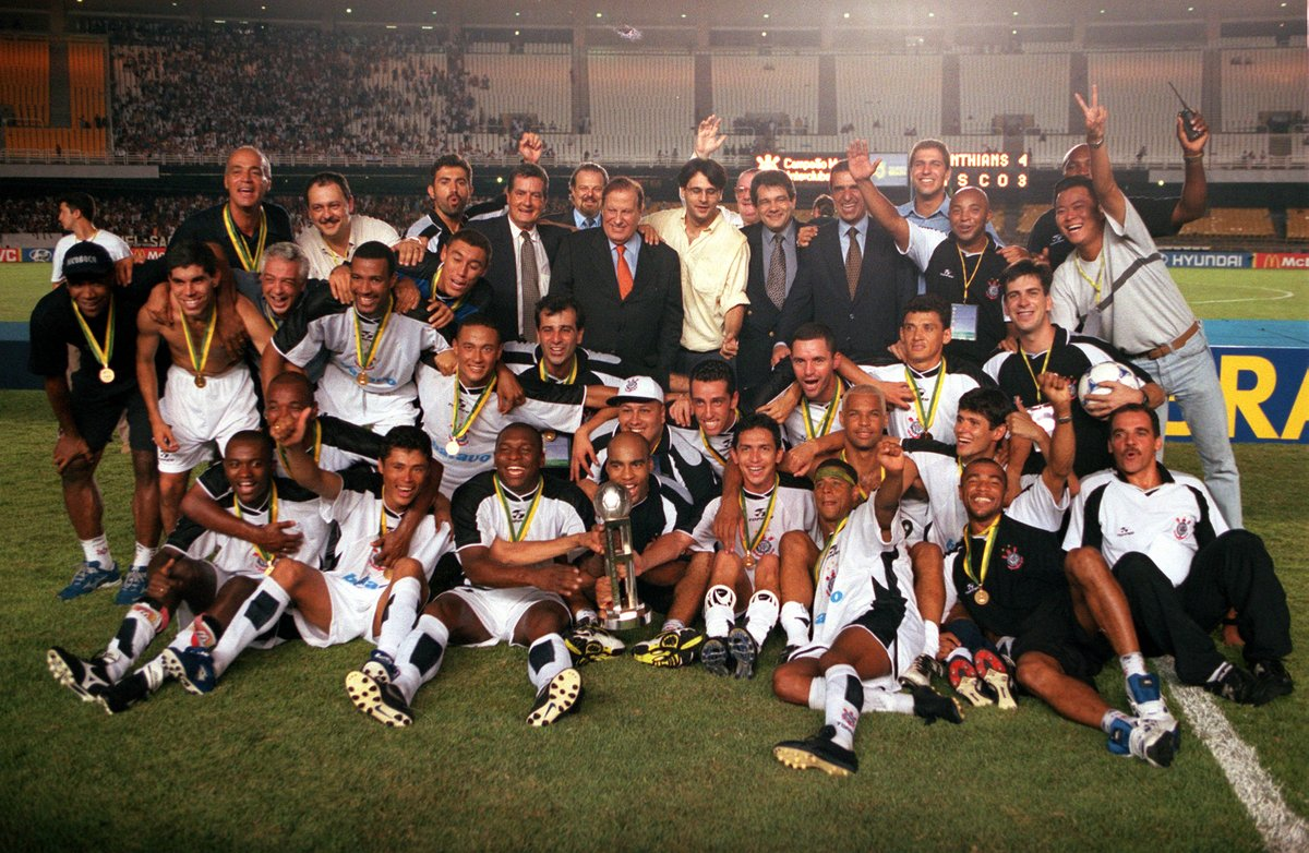 🤩 Dida, Vampeta, Rincon, Ricardinho, Marcelinho Carioca, Edilson Capetinha, Luizao... what a magnificent side  🖤🤍 European titans Manchester United and Real Madrid were at the maiden #ClubWC, but #OnThisDay in 2000 @Corinthians emerged triumphant 🏆  🔙 #ThrowbackThursday