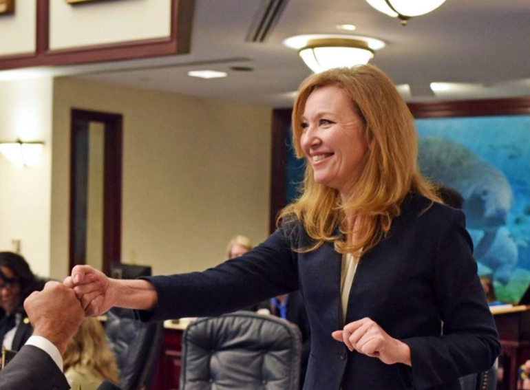 Yesterday, @CHunschofsky and @Book4Senate filed HB 217/SB 588 to rename the Southeast Florida Coral Reef Ecosystem Area after former Commissioner Kristin Jacobs. Her dedication to protecting Florida's environmental treasures will be remembered for generations with her namesake.