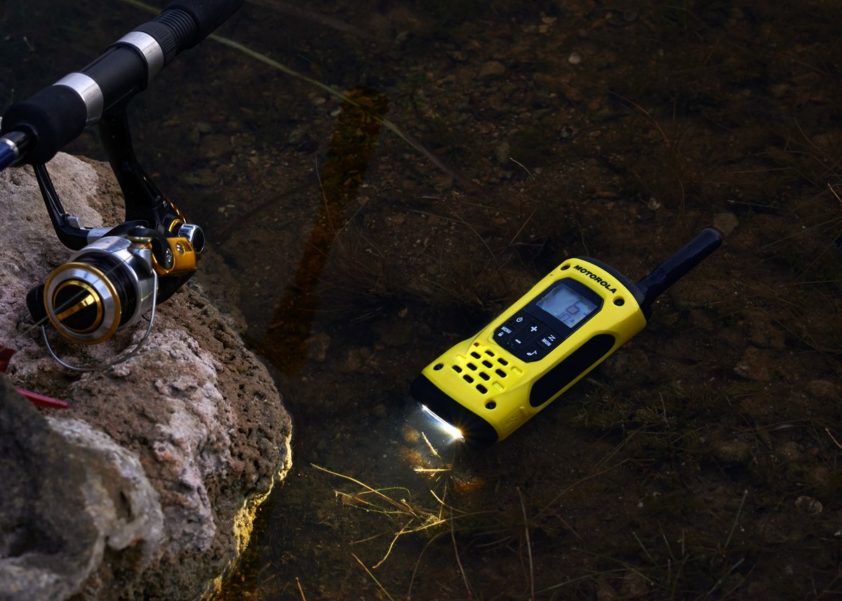 The #Motorola TLKR T92 H20 walkie talkie is a rugged, waterproof & floatable walkie talkie which has a range of up to 10km, allowing you to stay in contact on your adventures. Meeting IP67 standards, it can withstand submersion of up to 1m for 30 minutes> https://t.co/Tibx7u4VT2