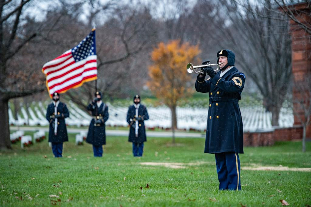 Honor and Duty 🇺🇸 The @USArmyOldGuard and @theusarmyband conduct modified military funeral honors with a funeral escort for Medal of Honor Recipient Command Sgt. Maj. Bennie Adkins in Section 12 of @ArlingtonNatl. #PicOfTheDay | #ArmyValues 📸 by Elizabeth Fraser