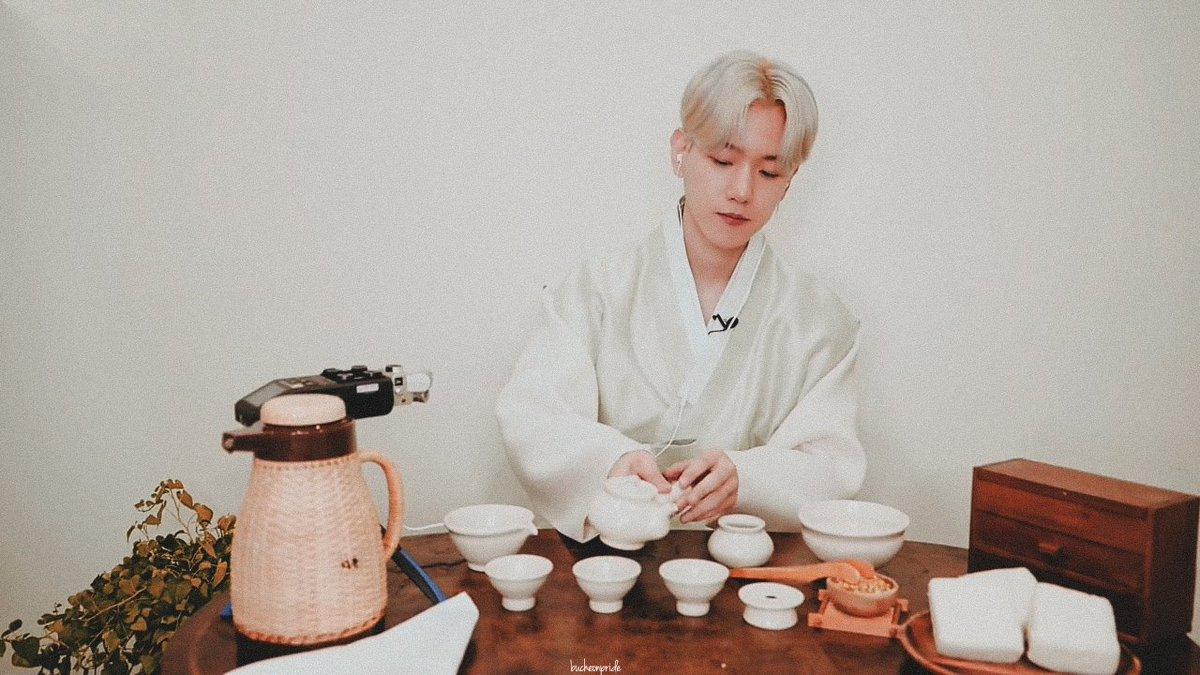 Replying to @bucheonpride: — tea ceremony with baekhyun ♡