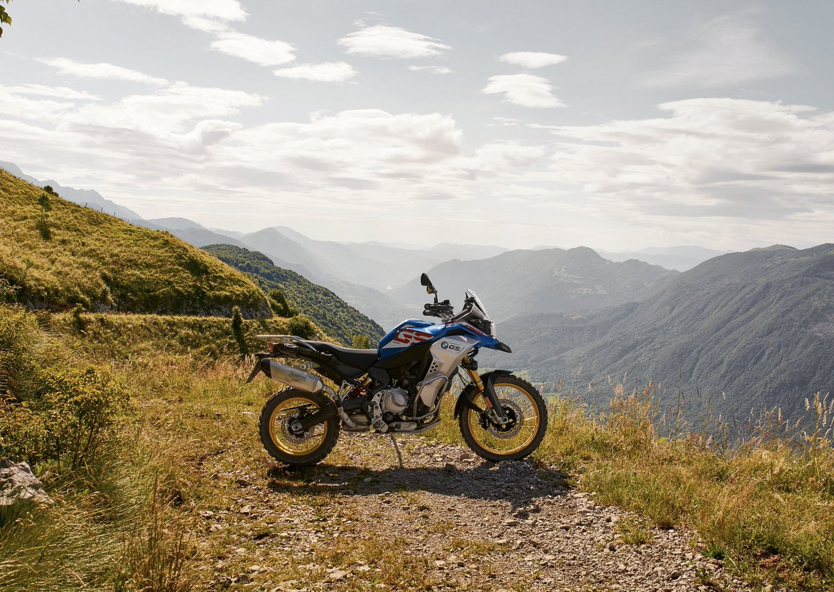 Striking isn't it?  🌅🌄🏜  Take in the view on your F 850 GSA, a bike built to take you further.  Want one? Get yours, here: https://t.co/mht55Yy4oY   #MakeLifeARide #SpiritofGS #F850GSA https://t.co/pvorLo961S