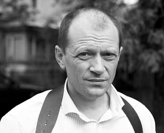 Умер актёр Дмитрий Гусев. Он потерял сознание в своей машине, очевидцы вызвали скорую, которая констатировала смерть. Артист известен ролями в сериалах «Метод» и «Глухарь», ему было 45 лет https://t.co/10UG3lK8gI