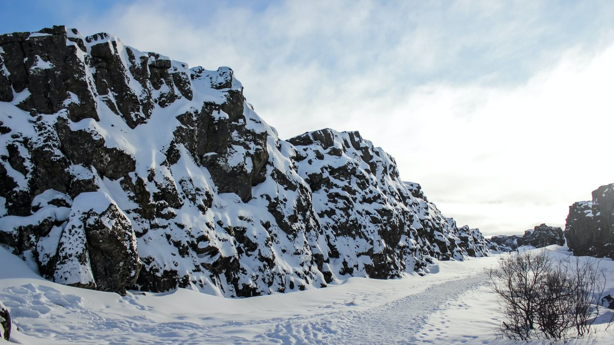 Walk along the edge of the North American and Eurasian continental plates (live and virtual from your home) and learn how the settlers of #Iceland🇮🇸 founded The Parliament Althing over 1000 years ago.  Walk between the continents - Live Virtual Tour 👉