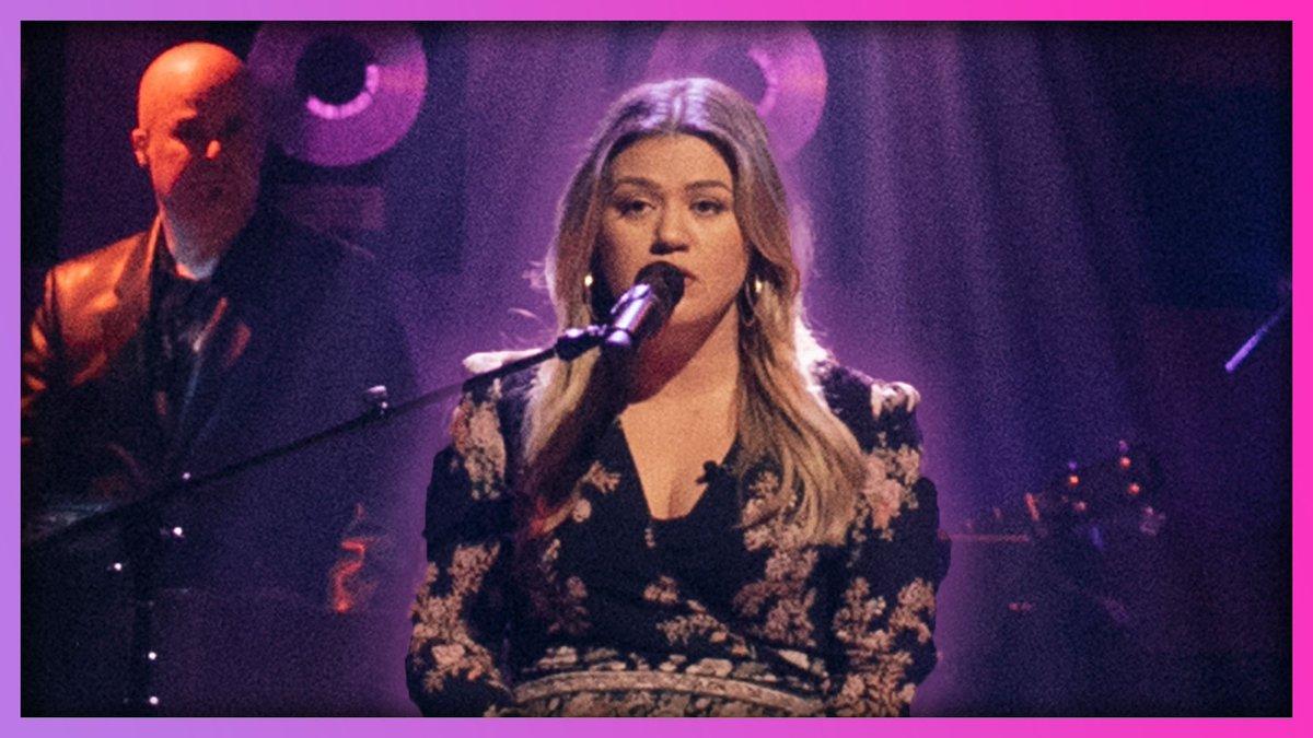 """Kelly Clarkson Covers Fleetwood Mac """"Dreams""""  WATCH:   #Kellyoke"""