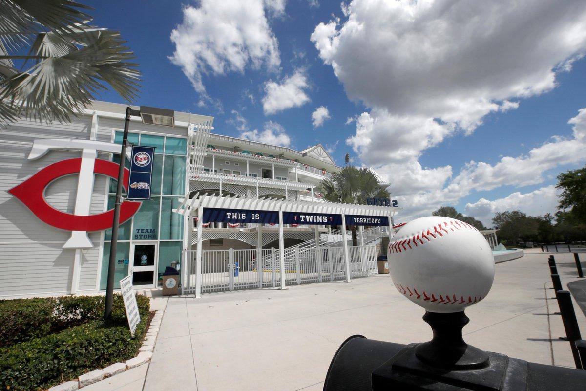 Fort Myers, Florida. 📍☀️🌴  #LosTwins | #SpringTraining https://t.co/bKXbpzNaw7