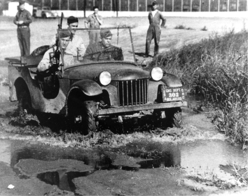 We're looking at the development of the that classic #WWII vehicle, the Jeep in episode #134 of the #WW2Podcast. #history  https://t.co/JiCsvceD6z https://t.co/9xqkLeWnUo