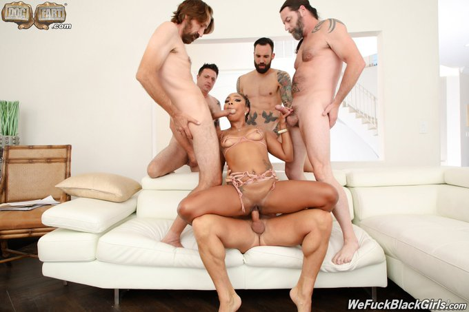 2 pic. Have you seen my #Gangbang yet ?? I took on Five legends for @DogfartProd https://t.co/AxKeWO