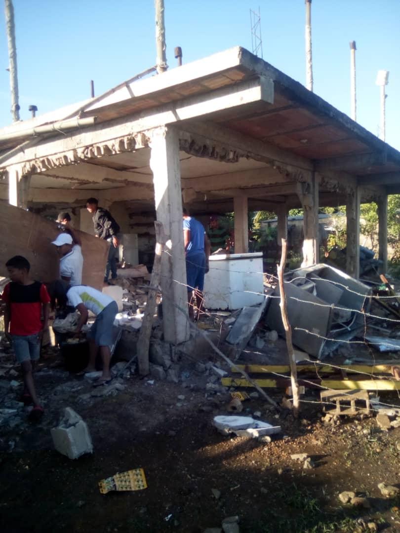 Otra explosión de bombona de gas doméstico en Monagas. Reportan 3 personas heridas, entre ellos, un niño de 4 años. Sucedió en el sector Costo Abajo. 📷 Cortesía