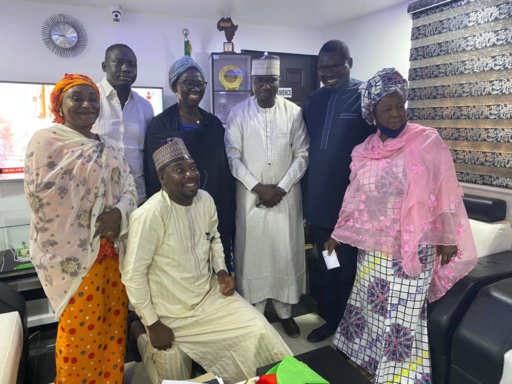 Kidney transplant: @ProfZulum releases N10m to save UNIMAID student from southern Borno  ... Mother, son confirm alert