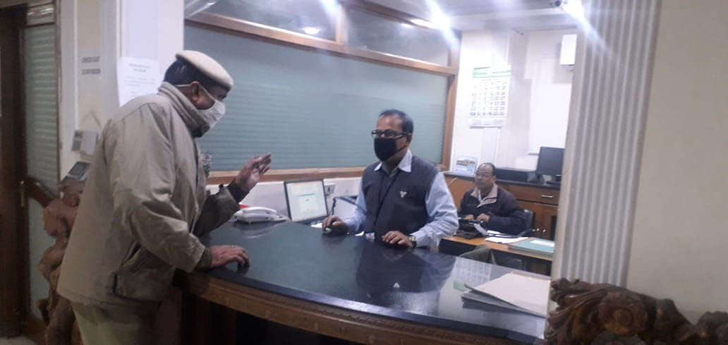 Regular checking of Hotels and Guest houses is being done by New Delhi District Police in view of forthcoming Republic Day-2021  @CPDelhi @LtGovDelhi @PMOIndia @HMOIndia  @DelhiPolice  #WearAMask  #WashYourHands