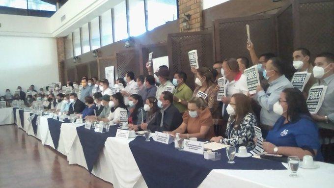 Presentarán nuevas pruebas ante la FGR contra ministro de Hacienda