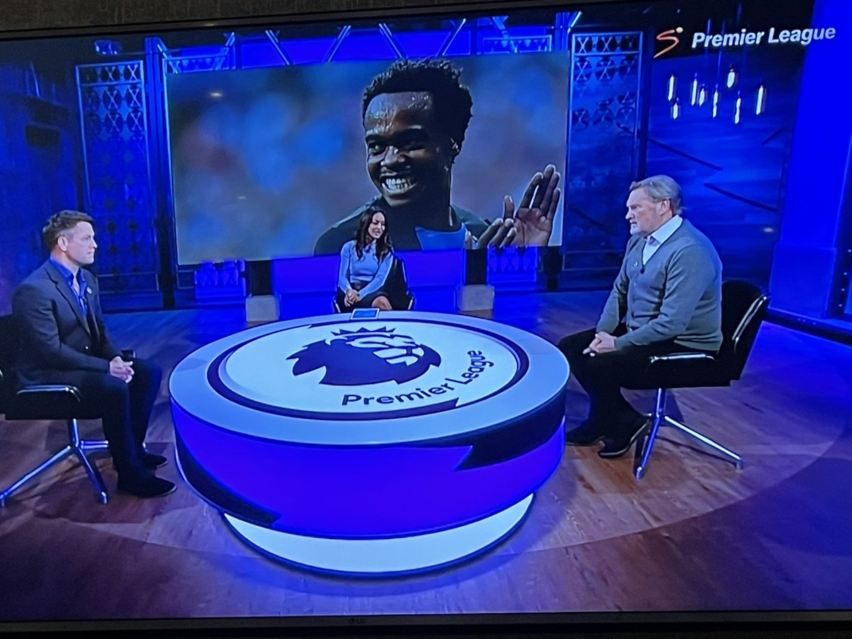 RT @LucasRadebe: Great debut for @percy tau wishing him all the best @premierleague @SuperSportTV https://t.co/YkvJ2xXAZg