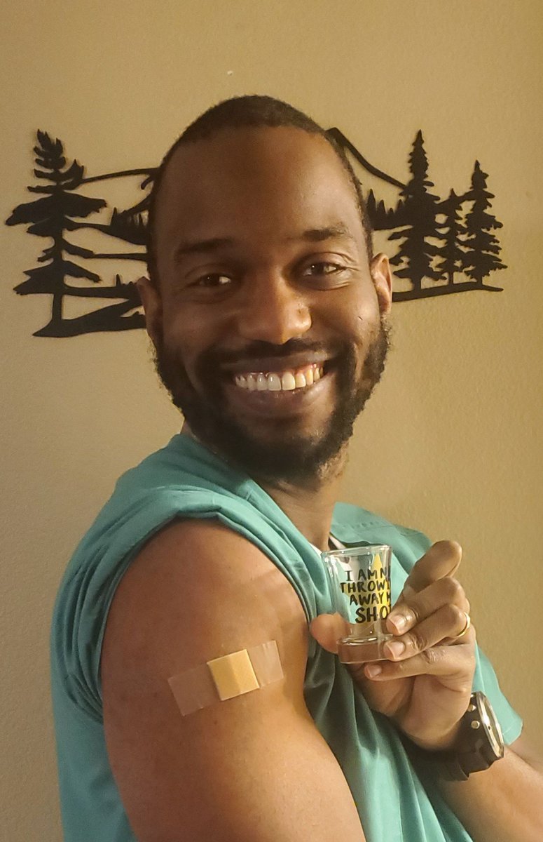 test Twitter Media - CAFP board member Cleveland Piggott, MD, got his #CovidVaccine! Vaccines are proven to be safe, effective, and vital to stopping the spread of preventable illness. https://t.co/Y94MIOvbPJ