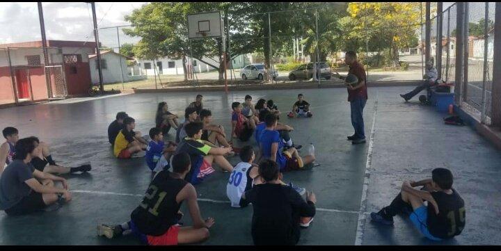 @HanthonyCoelloB @nenecorrea @roliveros_3 @rojaf08 @puig1874 @Danielgarciafi3 @oswaldonarvaez @civaoeba @FVBbasketball @1Chirino Conversatorio con las Escuelas de baloncesto y jóvenes dispuestos a integrar el círculo de Arbitros, Barinas 👍 #VamosAJugar 🏀🇻🇪
