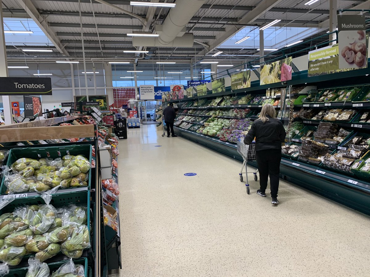 My local Tesco's this morning stacked with good English sourced food, the crazy deranged #FBPE mob will hate this photo...@Iromg