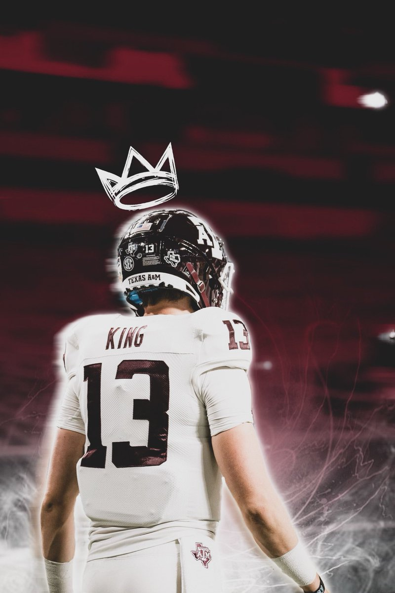 It's the time of the King 👑 #GigEm #Howdy #12thMan #AggieFootball #Whoop #Heisman #King #Aggies