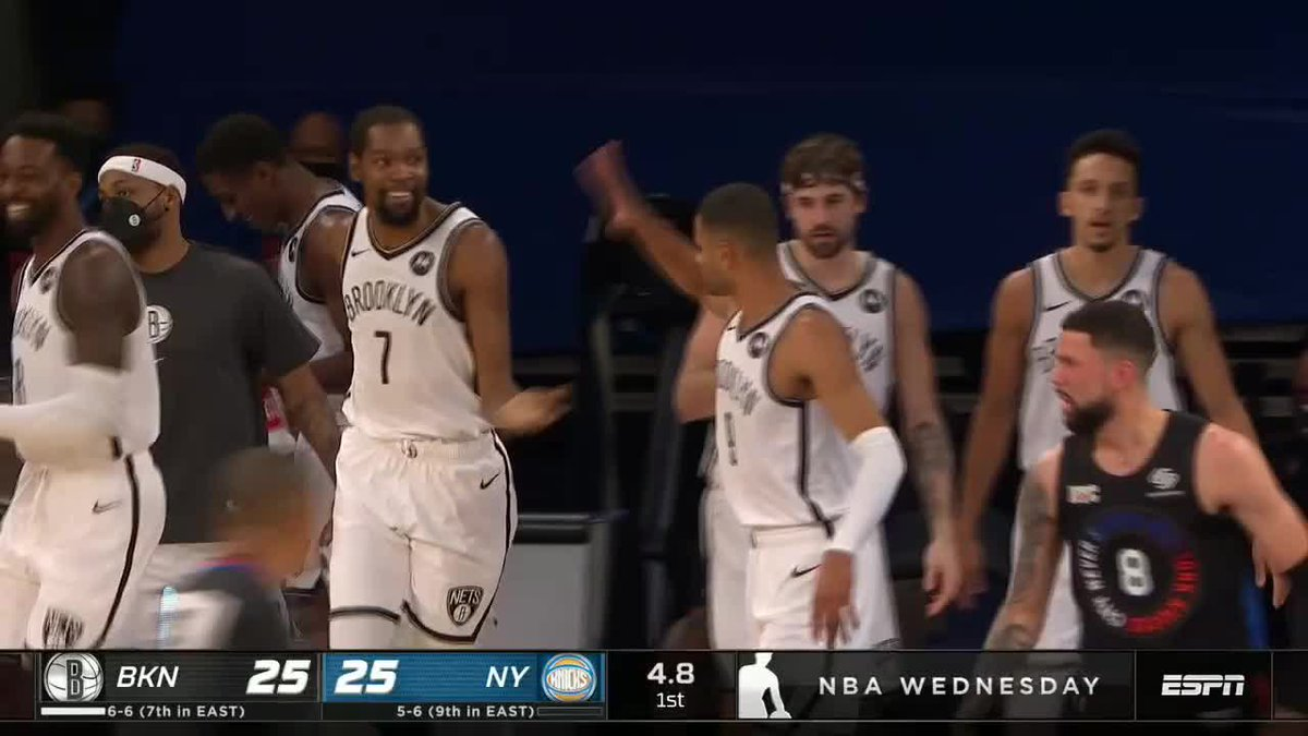 The whole Nets squad ran to help KD up 😄 https://t.co/FY3AU5RNFt