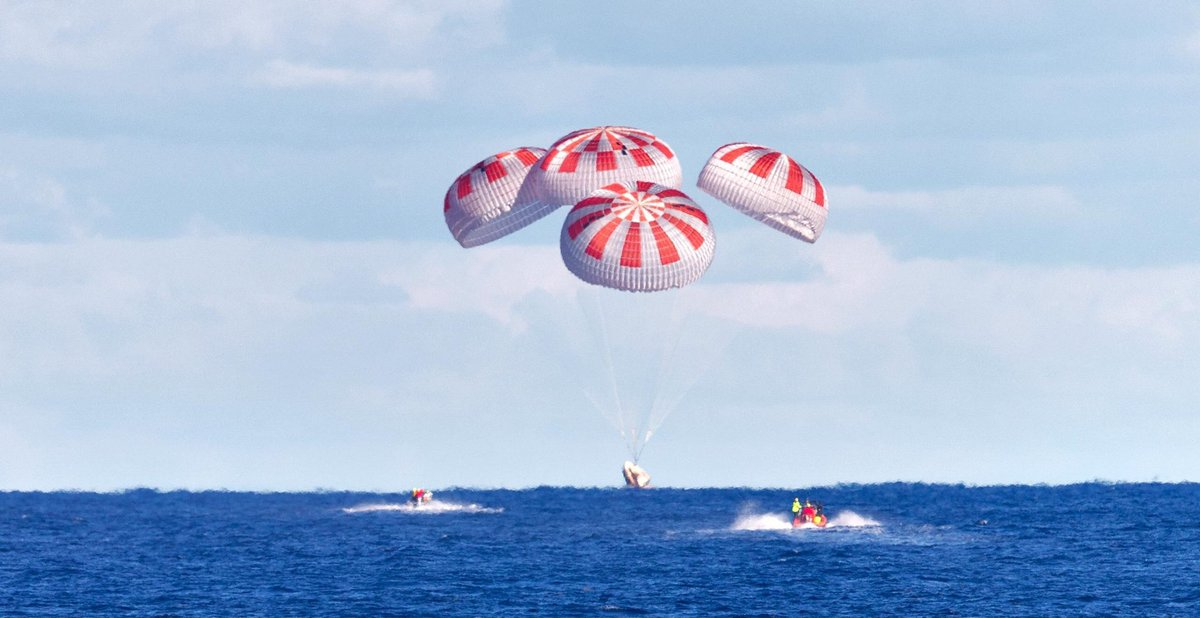 @SpaceX @Space_Station SPLASHDOWN!