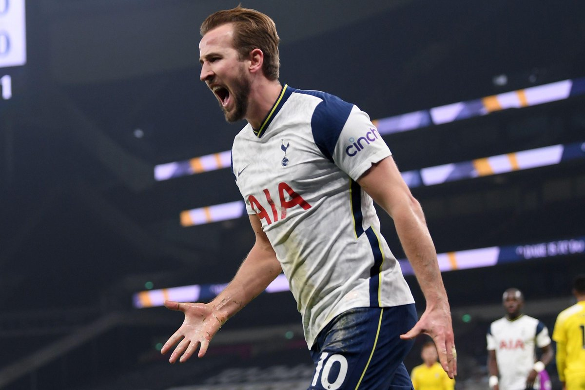 HALF-TIME Spurs 1-0 Fulham  Harry Kane's powerful headed finish puts Spurs in control at the break  #TOTFUL
