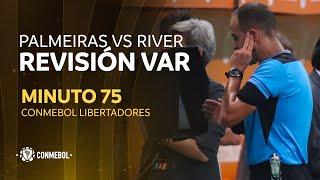 VAR💻 - Copa Libertadores Palmeiras vs River Plate - Minuto75 - Incidente en área de penal -  https://t.co/DrxBh1VJ3v https://t.co/kJ0J55JPs0