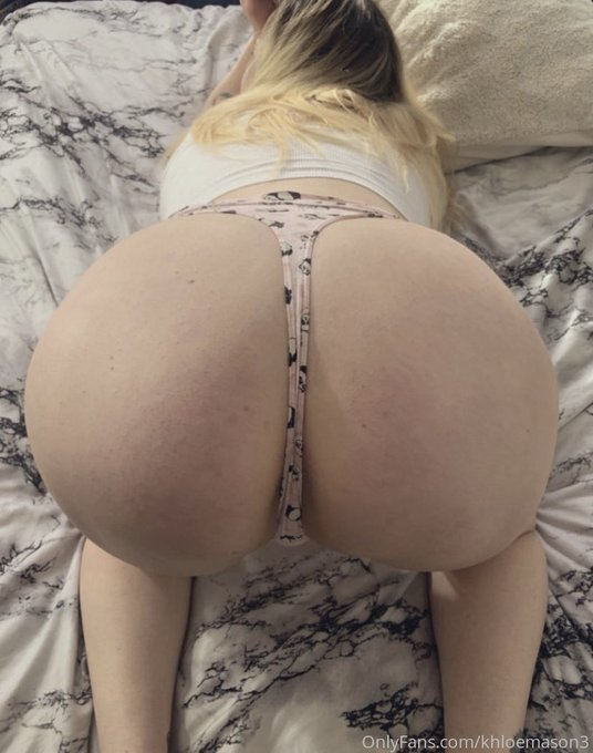 2 pic. Front or back? 😉  💋💋💋 Free account 💋💋💋  ✨Over 200+ posts ✨  ✨ Daily content ✨   ✨Dm for custom