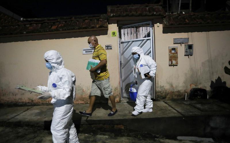 As coronavirus stalks Brazil's Amazon, many die untreated at home https://t.co/YghHyKe9KW https://t.co/fEZdg9N9wU