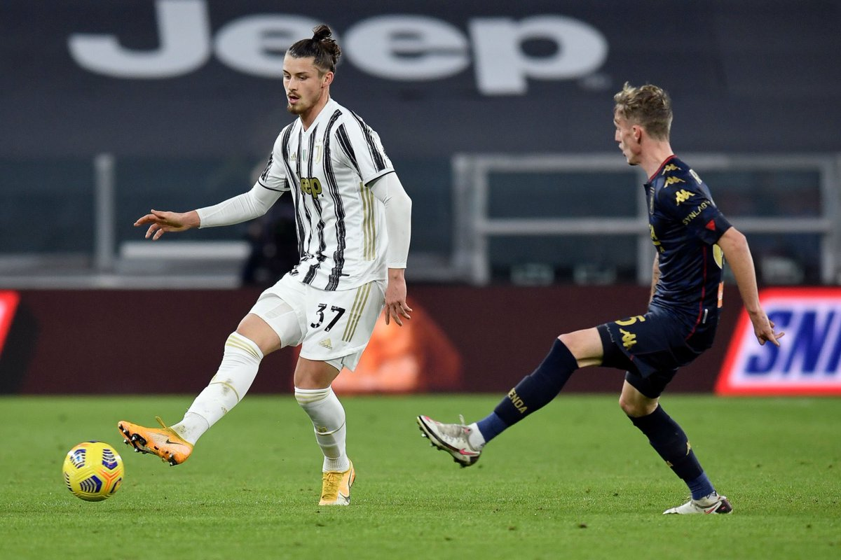 AJAX WANT TO TAKE JUVENTUS YOUNGSTER ON LOAN