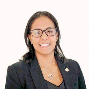 La Lic. Damaris Young es la primera mujer en dirigir el @COlimpicoPanama   Haciendo historia !!!