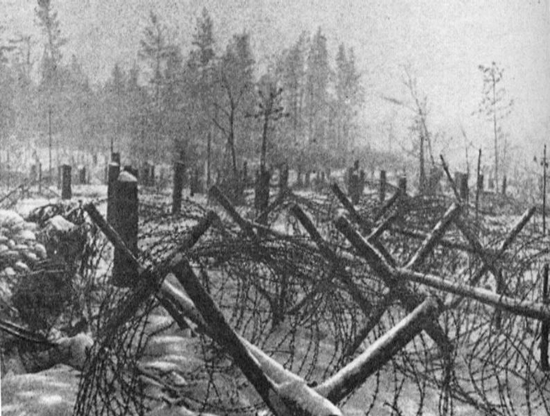 Axis forces guarding Leningrad were stretched thin, in an effort to prevent Soviet forces from breaking out of the besieged city; they were unprepared for assault from without, despite heavy defences: https://t.co/mEN94JTXUY