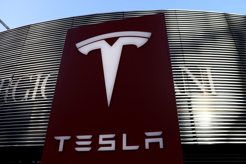 U.S. asks Tesla to recall 158,000 vehicles for touchscreen failures https://t.co/gcXFxC3mp2 https://t.co/j42dKDkhkR