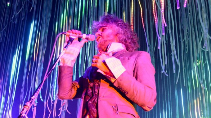 Happy Birthday Wayne Coyne: The Flaming Lips Perform For Austin City Limits In 2004