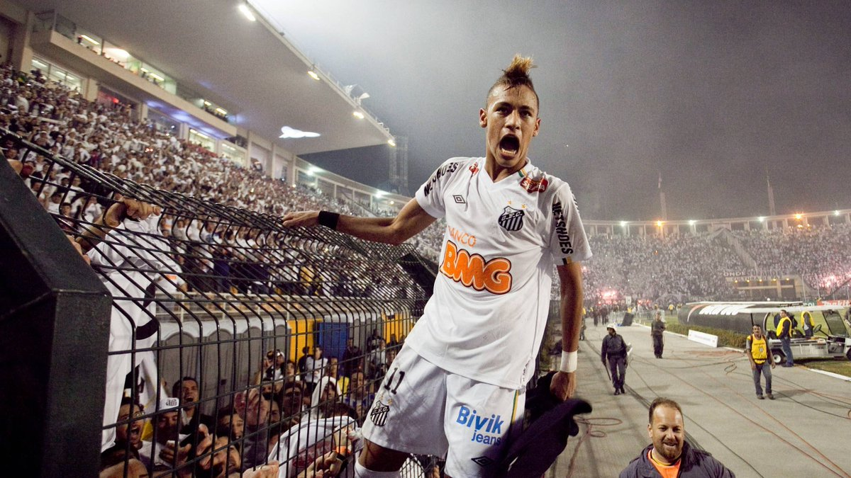 ❤️💙 @neymarjr returns from injury and hits the winner as PSG beat arch-rivals Marseille to lift the Trophée des Champions. Then his beloved @SantosFC reach the #Libertadores final for the 1st time since he inspired them there in 2011 🤍🖤   ™️ O pai tá on CLOUD NINE! ⛅️