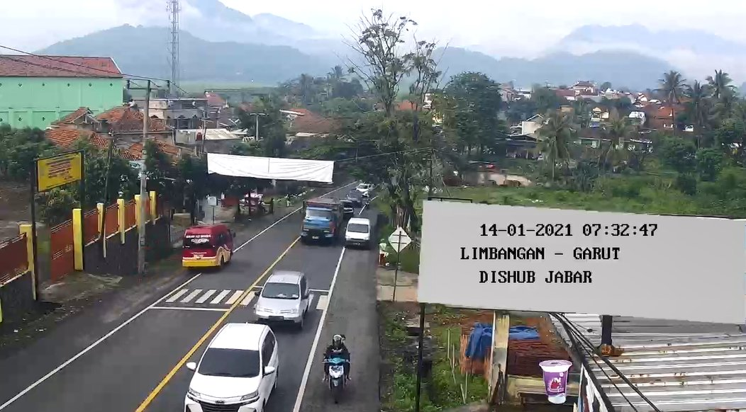 07:34   Pantauan arus lalin terkini di ruas jalan menjelang pasar #Limbangan #Garut #LalinJabar #infolalin #infoll #DishubJabar #JujurBerkendara #JujurDiJalan #JagaJarak #pakaimasker #cucitangan