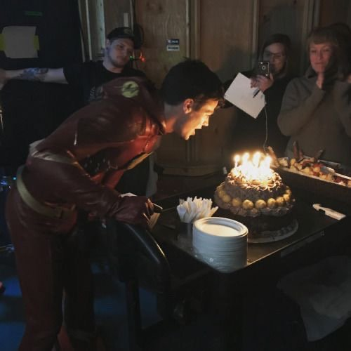 Happy birthday Grant Gustin I love you so much I wish you the best day ever
