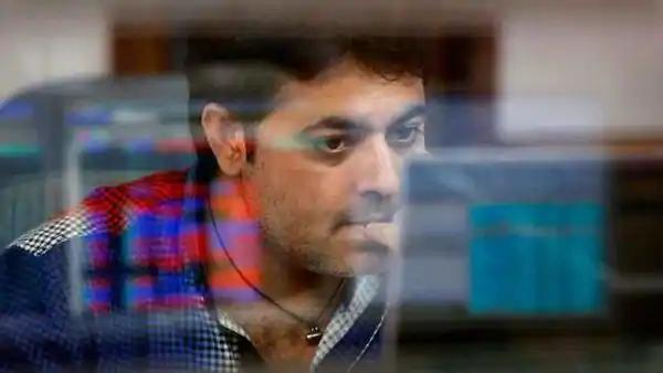 Record Valuations Raise Alarm in Frenzied India Stock Market Photo